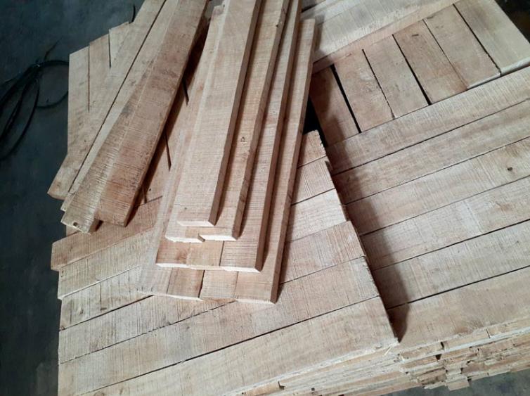 Giá phôi gỗ cao su hiện nay