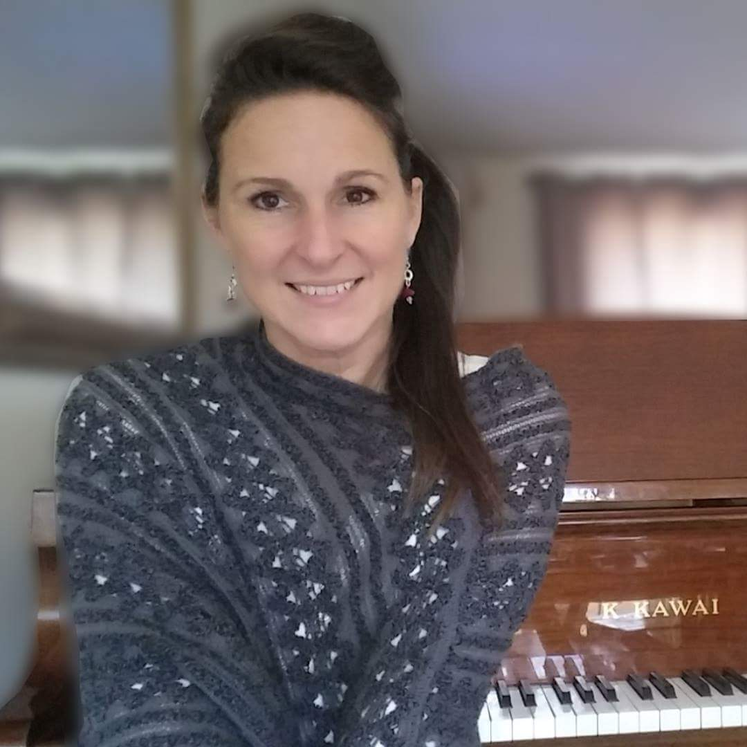 Paul's Piano Video Lessons course Teacher (Lisa)