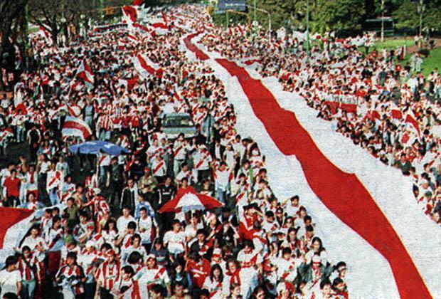http://www.rivermillonarios.com.ar/media/reportero/132/3/8/0/8/o_20110420213600_no_a_la_caravana_por_los_110_anos.jpg