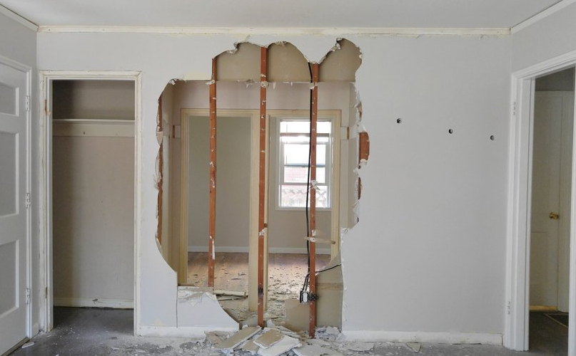Load bearing wall removal requiring a structural engineer