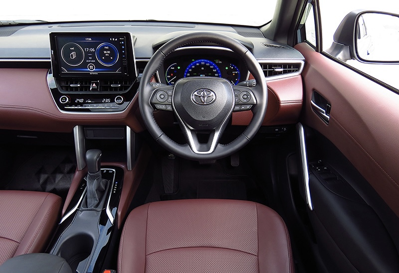 ดีไซน์ภายในรถยนต์ : Toyota Corolla Cross Hybrid Premium Safety