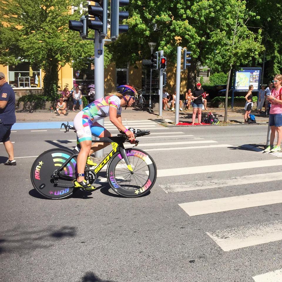 IM 70.3 Elionore Agnieszka Jerzyk rower.jpg