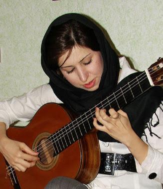 گلنار ریاحی مدرس گیتار کلاسیک