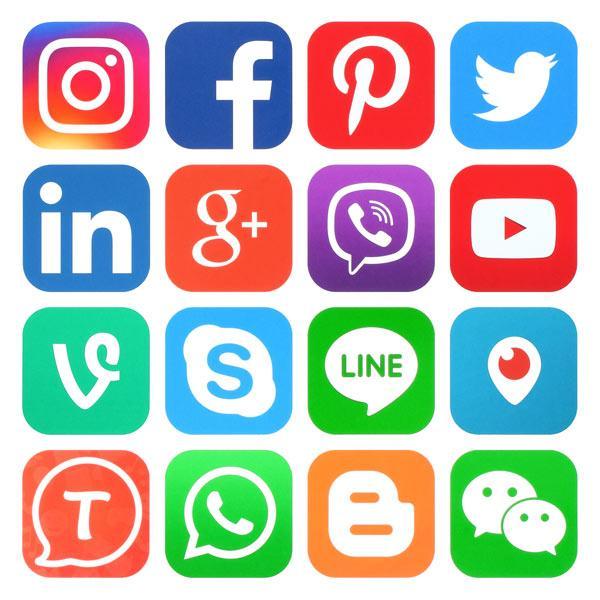 شبکه های اجتماعی در طراحی سایت گردشگری و توریستی - موز وب