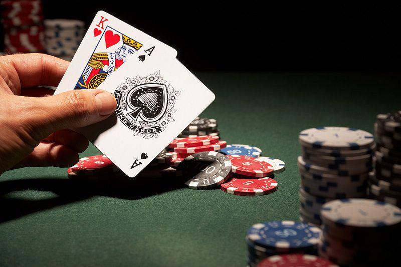 Hướng dẫn chơi game đánh bài ăn tiền thật trên mạng hữu hiệu