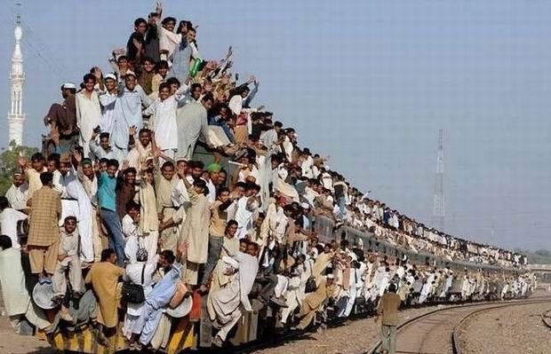 Pociąg_w_Indiach.jpg