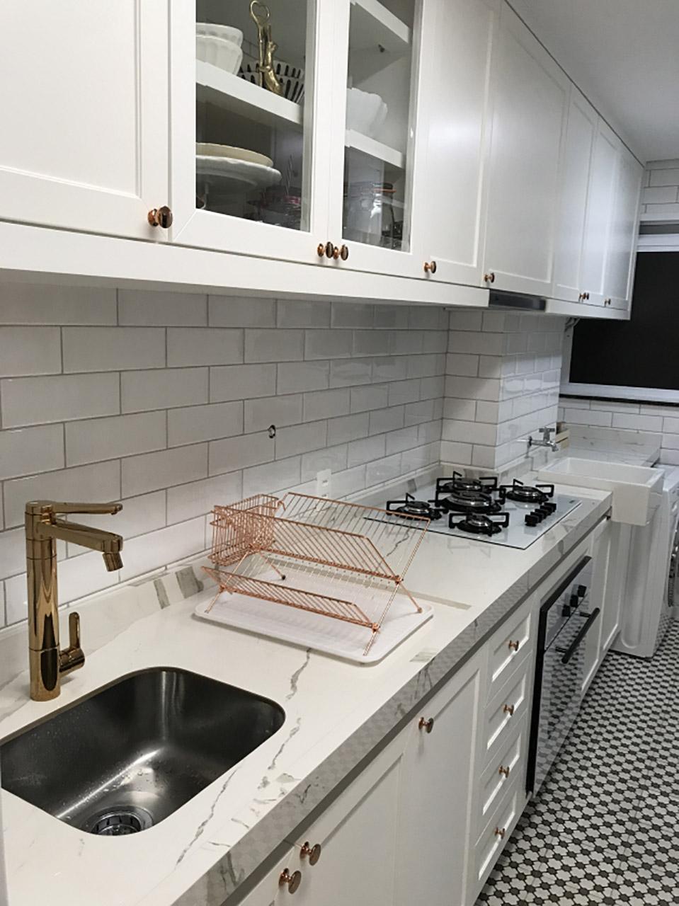 bancada de porcelanato na cozinha