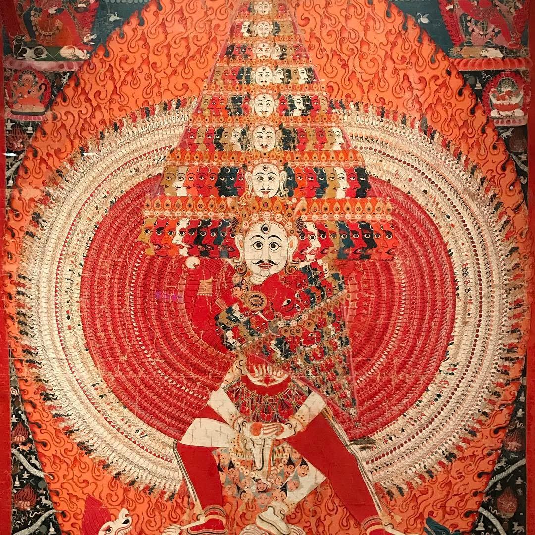 Imagen que contiene viejo, alfombra, grande, cerca  Descripción generada automáticamente