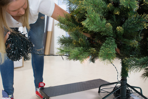 ako ozdobit vianocny stromcek, vianocne svetielka