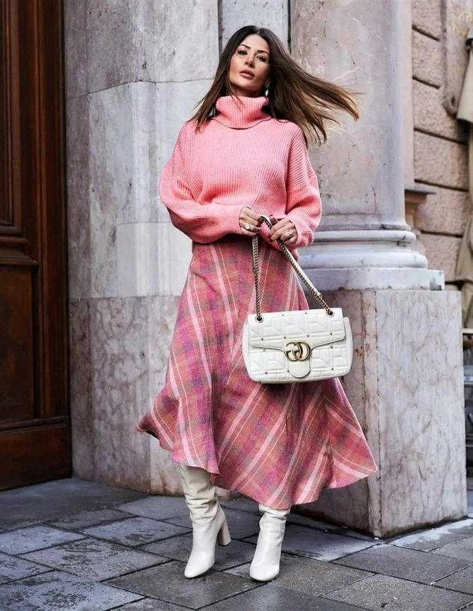 Sweater and a skirt: the most fashionable winter combinations 28