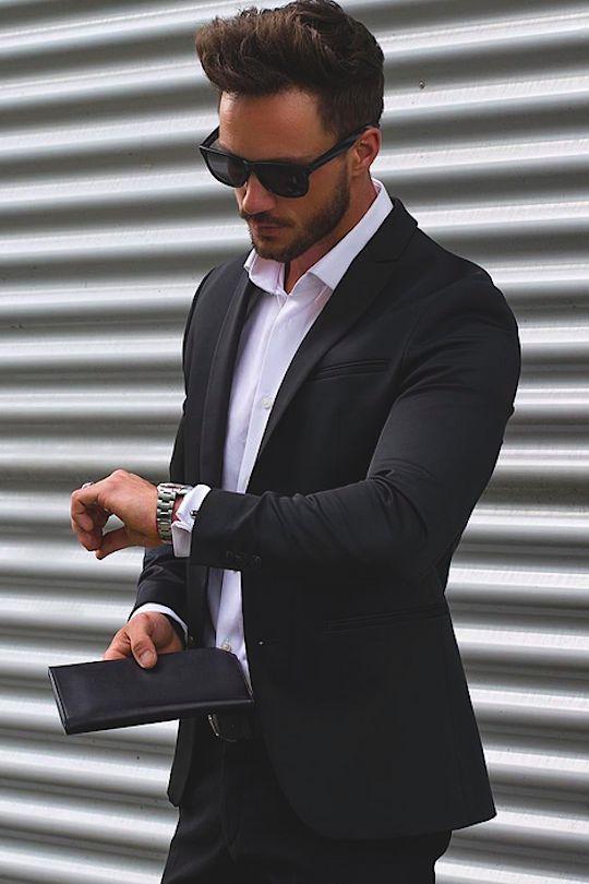 """ff393b280c2d Его можно одеть как с классическими брюками, так и с джинсами. В  интернет-магазине """"Классик"""" Вы найдете пиджаки разных цветов, с узорами и  без, ..."""