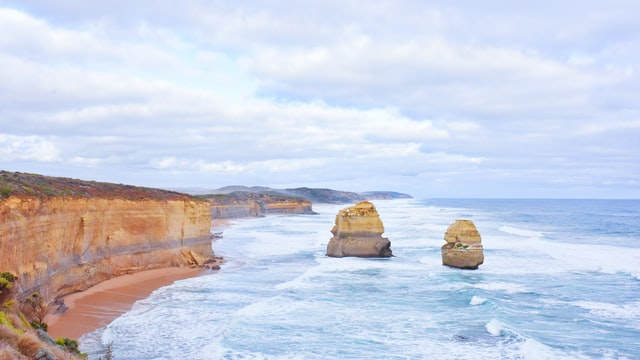the Great ocean road is one of the best trips to do in australia and the best things to do around melbourne