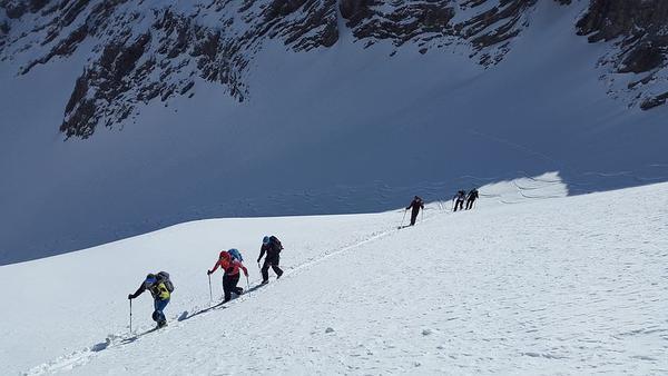 Ski de randonnée famille enfants hors pistes