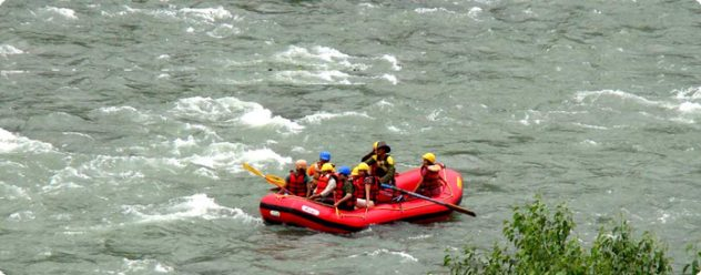Manali for Solo Traveler - Rafting Things to Do