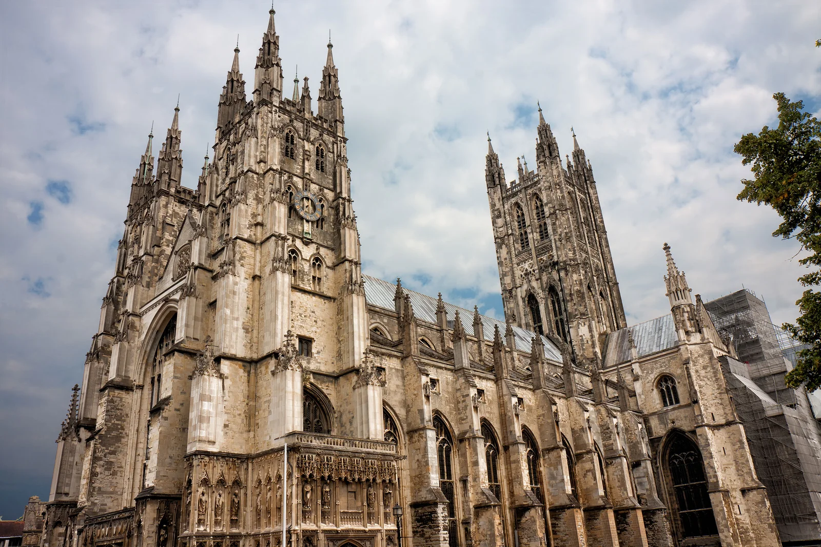 Westminster Abbey in London, by Gettyimages | Architectural Digest
