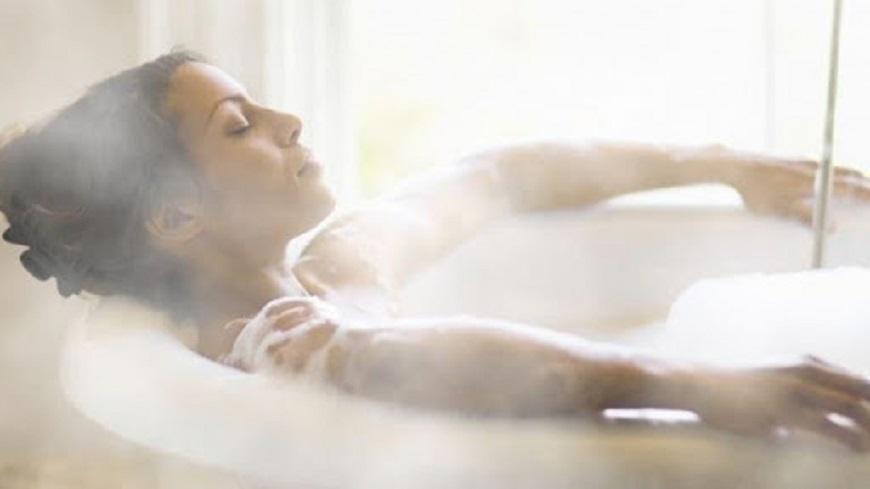 Tắm nước nóng là điều cần thiết khi tắm vào thời tiết lạnh