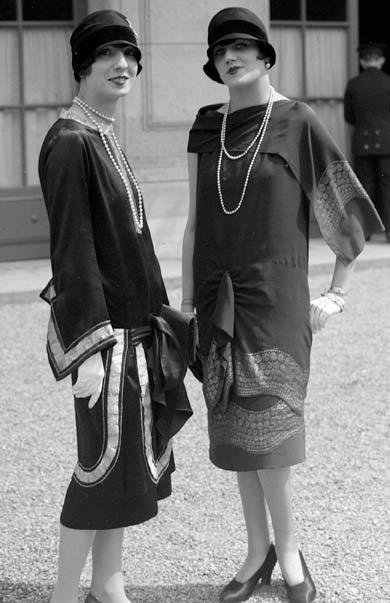 Výsledek obrázku pro chanel suits 1920