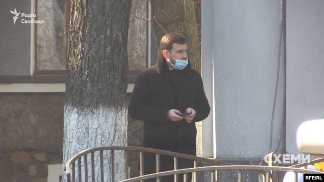 Володимир Сало, як помітили «Схеми», час від часу з'являється біля Мінздоров'я
