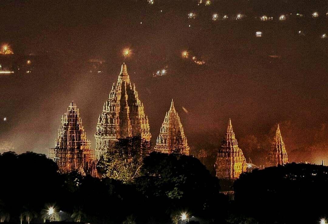 Aneka Wisata Indonesia yang Semakin Indah Jika Dikunjungi Malam Hari