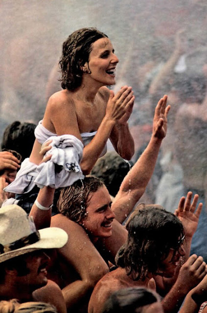 Photos of Life at Woodstock 1969 (25)