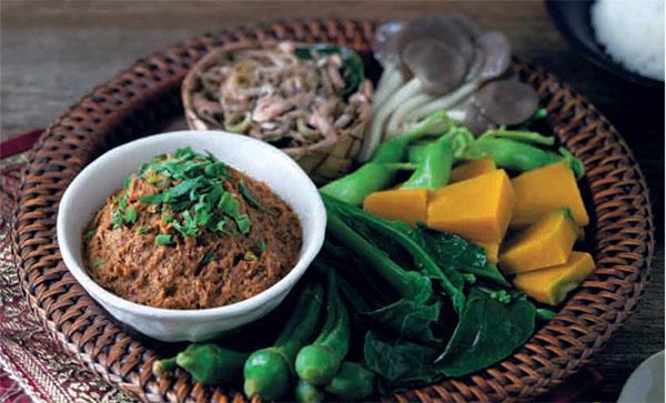 4. เลือกน้ำพริกผักต้มเป็นอาหารเช้า