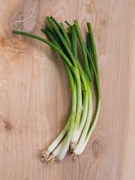 What Are Green Onions? How to Slice, Cook, Store Green Onions ...