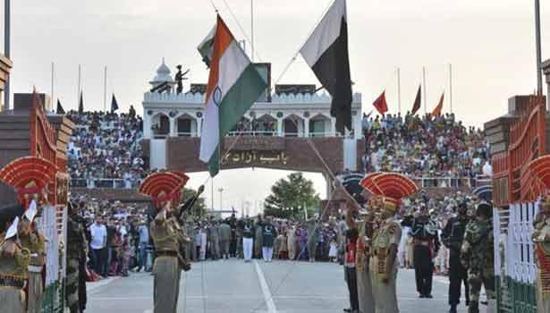 G:\Pratilipi\201610022358561452_Stone-throwing-in-IndiaPakistan-joint-border-ceremony-in_SECVPF.gif
