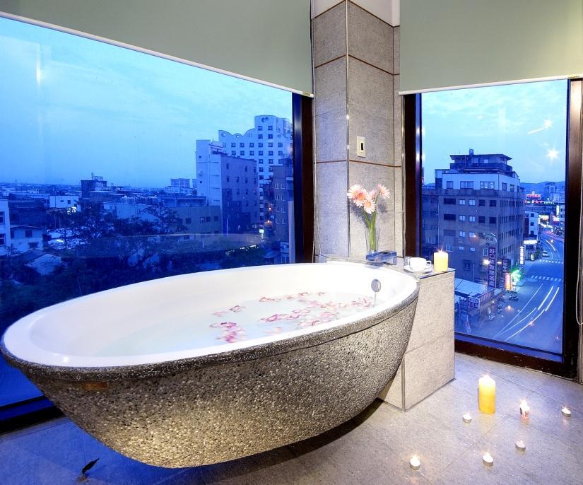 西式四人房-3-塘瓷浴缸