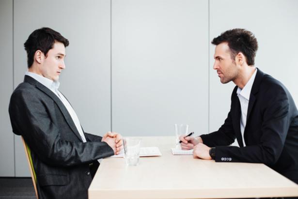 Đừng để trong lần phỏng vấn đầu tiên khiến bản thân mắc phải lỗi giao tiếp cơ bản