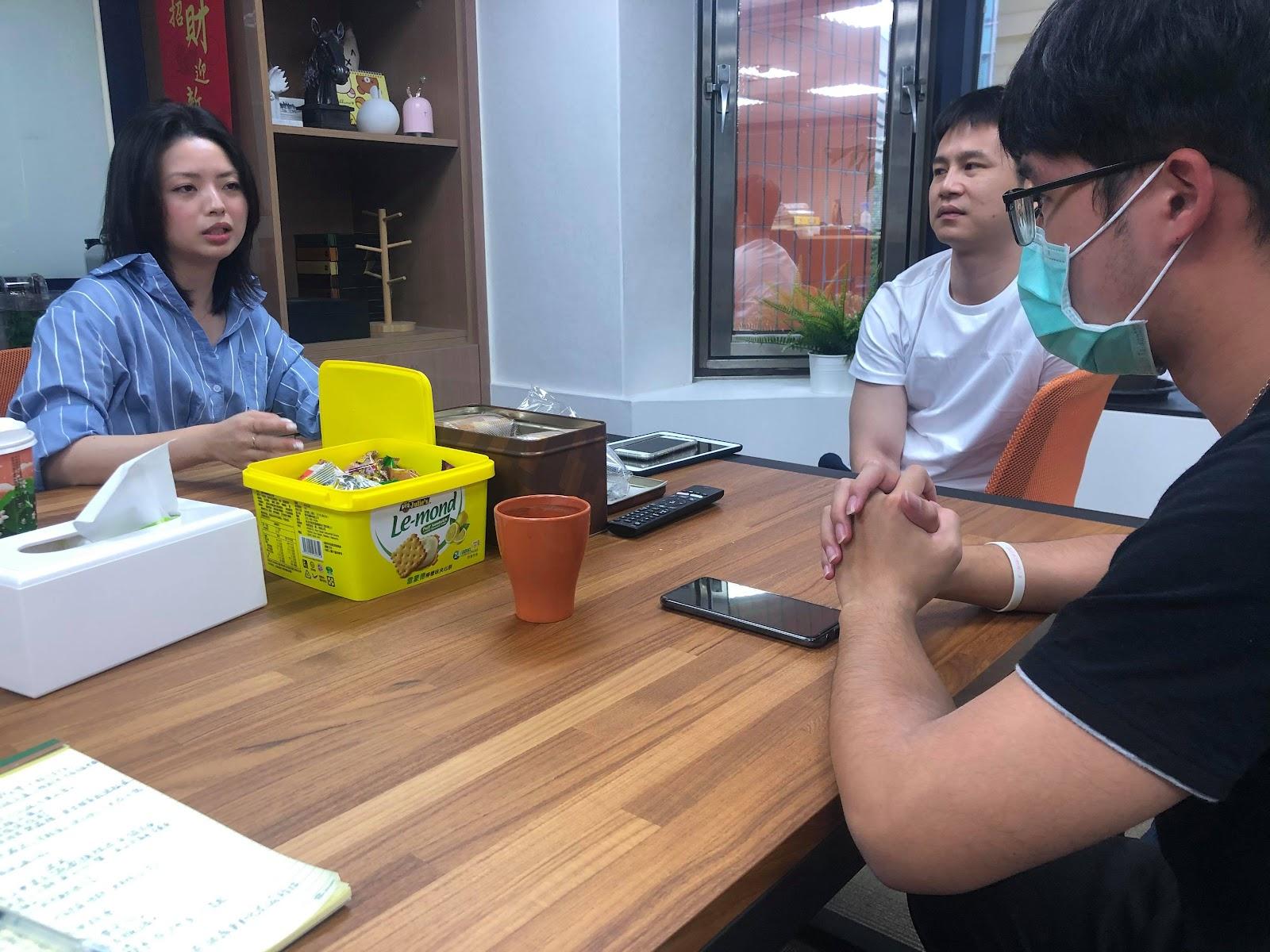 火花/保衛馬克思主義網站採訪了郭芷嫣。//圖片來源:蔡大榮