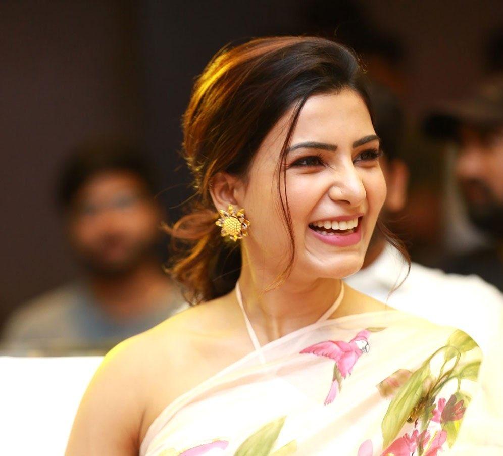 Samantha Akkineni's Jaanu saree Navel Queens