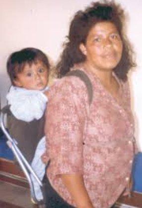 foto de Marcelina y su bebé