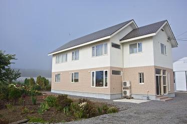 モダンな新築の家