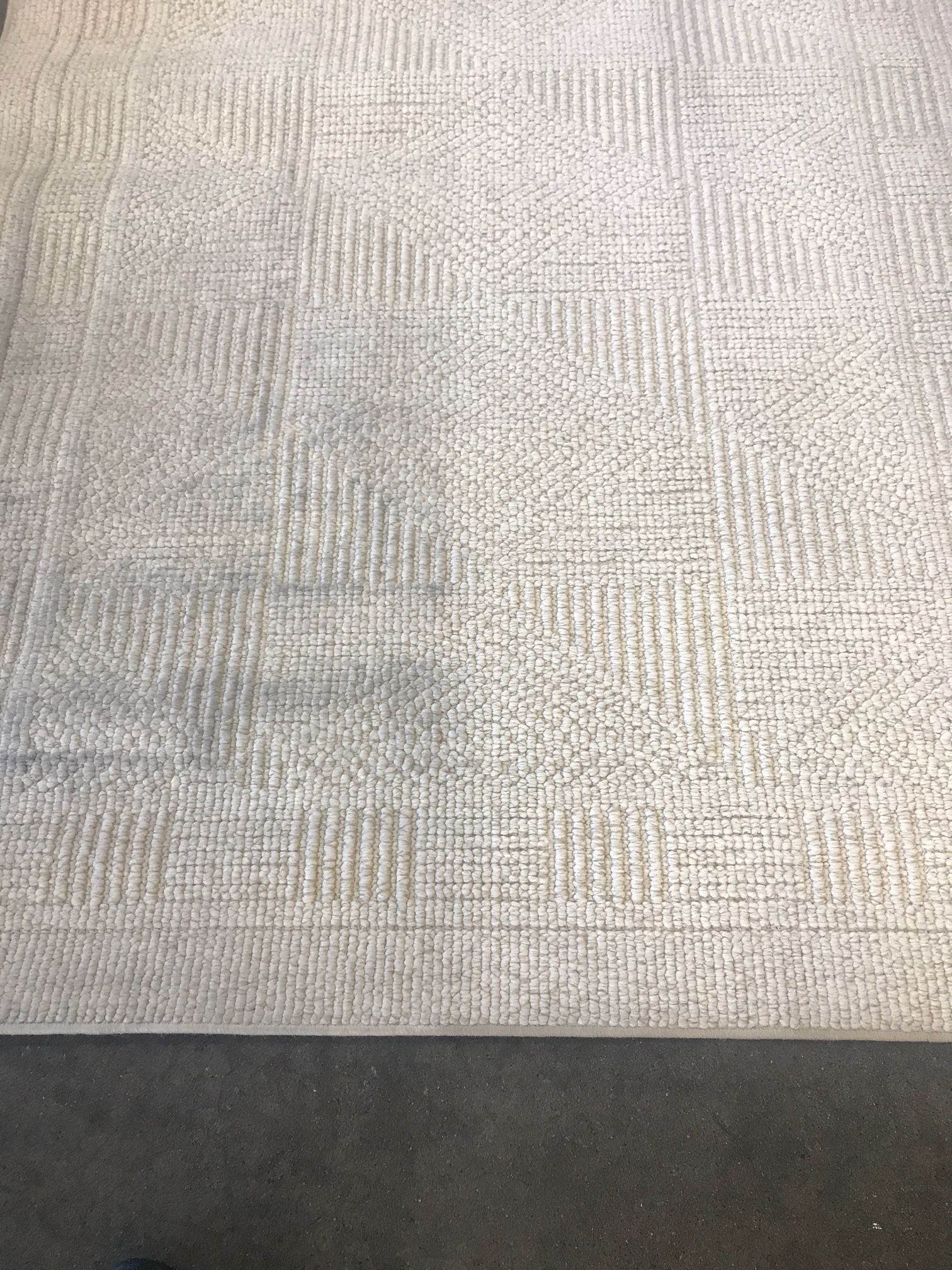 Before and after Hammond Knoll cleaned a carpet