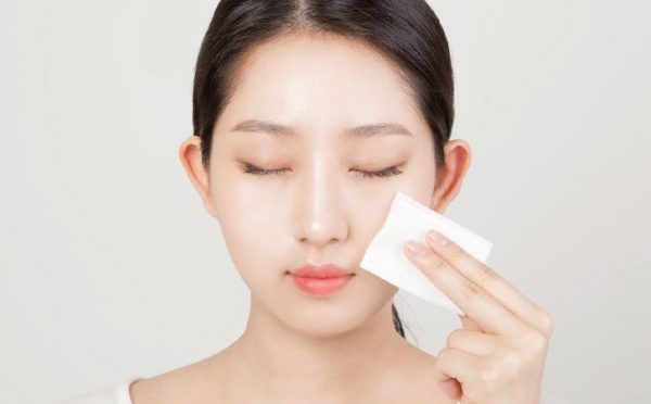 Đắp lotion mask giúp phát huy tác dụng và thời gian đủ để các dưỡng chất thẩm thấu vào da hơn hẳn chỉ thoa toner thông thường