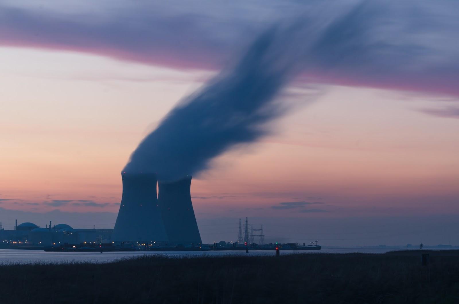 As termelétricas convencionais contribuem para o aumento dos gases do efeito estufa. (Unsplash/Reprodução)