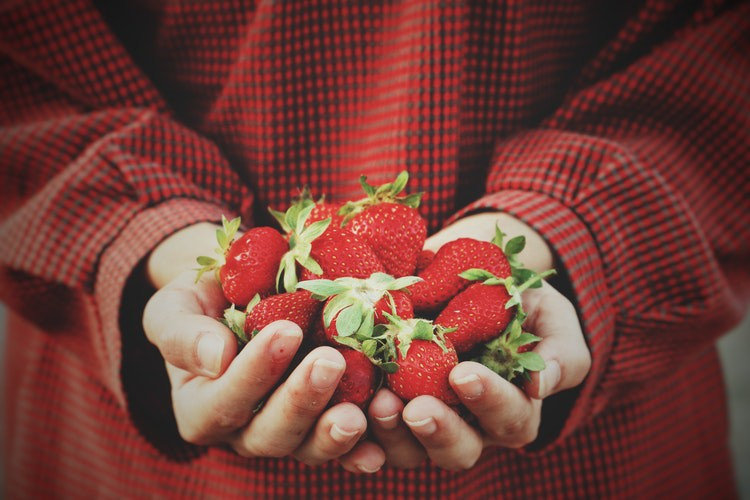 Top 9 thực phẩm giúp bạn sở hữu hàm răng trắng sáng và chắc khỏe