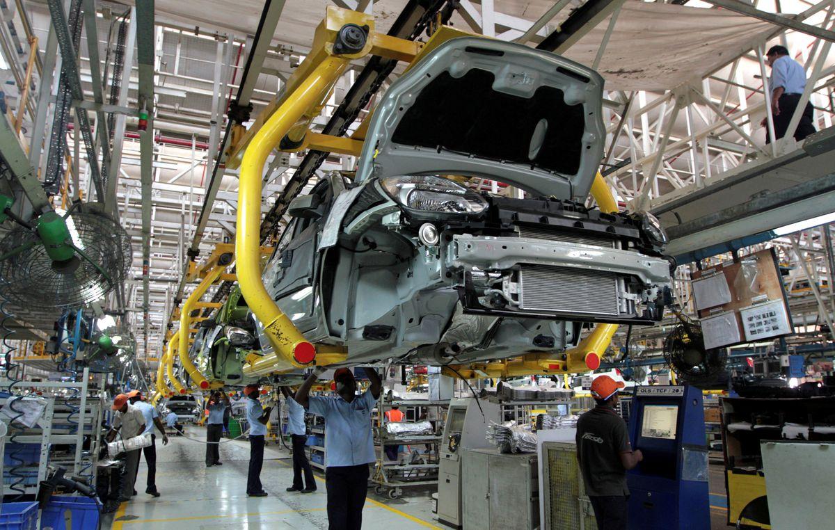 Trung tâm ô tô Ấn Độ cho phép nhà máy ô tô hoạt động hết công suất dù công nhân ít tiêm chủng