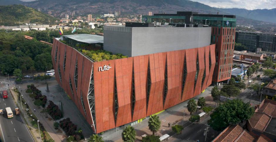 Cinco edificios inteligentes en Medellín
