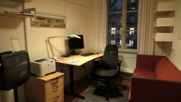 Офіс шведського чиновника