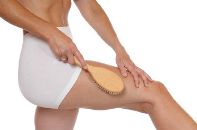 dry massage with a brush from cellulite how to do