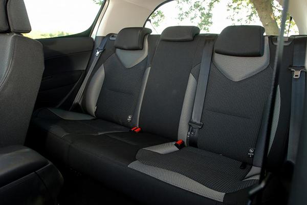 2007-Peugeot-307-Seat