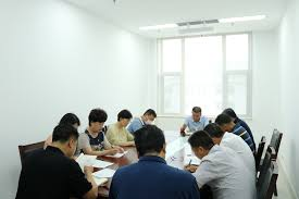 (The communist committee of a Pingdu City Department gathered to research the ideology of Xi Jinping)