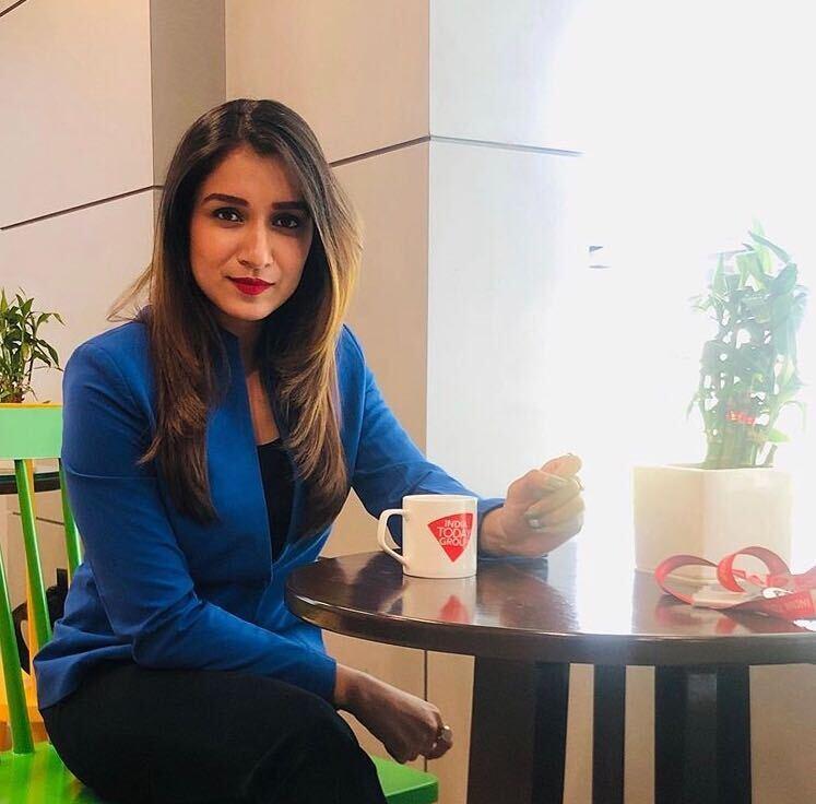 shefali bagga in coffee shop