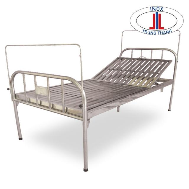 giường inox trong bệnh viện