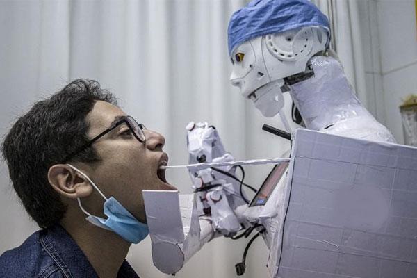 Robot lấy mẫu xét nghiệm Covid