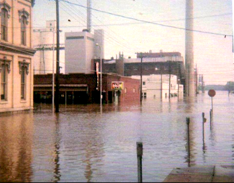 Hannibal North Main Flood 1951.png