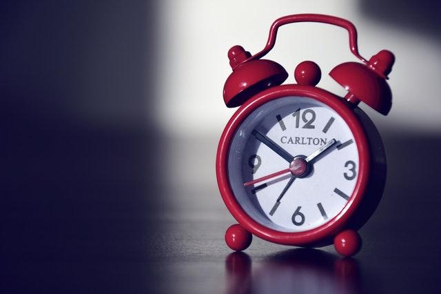 為自己設定冥想時間和鬧鐘