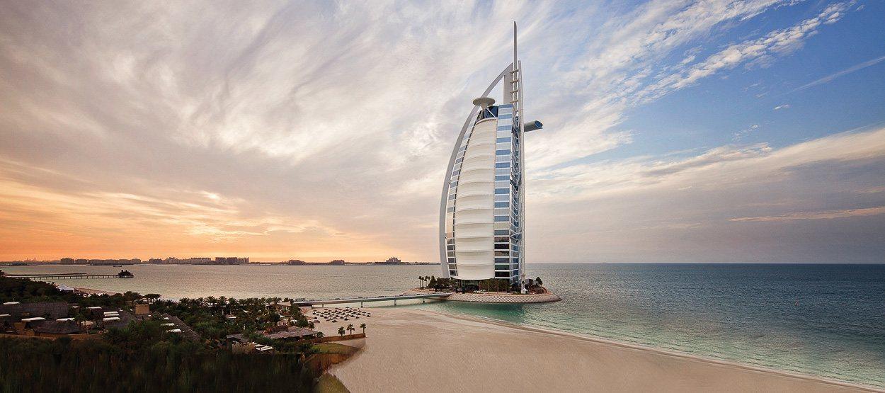 http://mediastream.jumeirah.com/webimage/heroactual/global/homepage-carousel/homepage-newimages-carousel-new/burj-al-arab-homepage-carousel.jpg