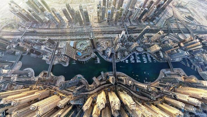 http://www.prideviewproperties.co.uk/prideview/wp-content/uploads/2012/01/Dubai-Marina-from-above.jpg